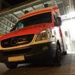 Rettungswagen vor Krankenhaus